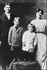 hist-reagan-family.jpg